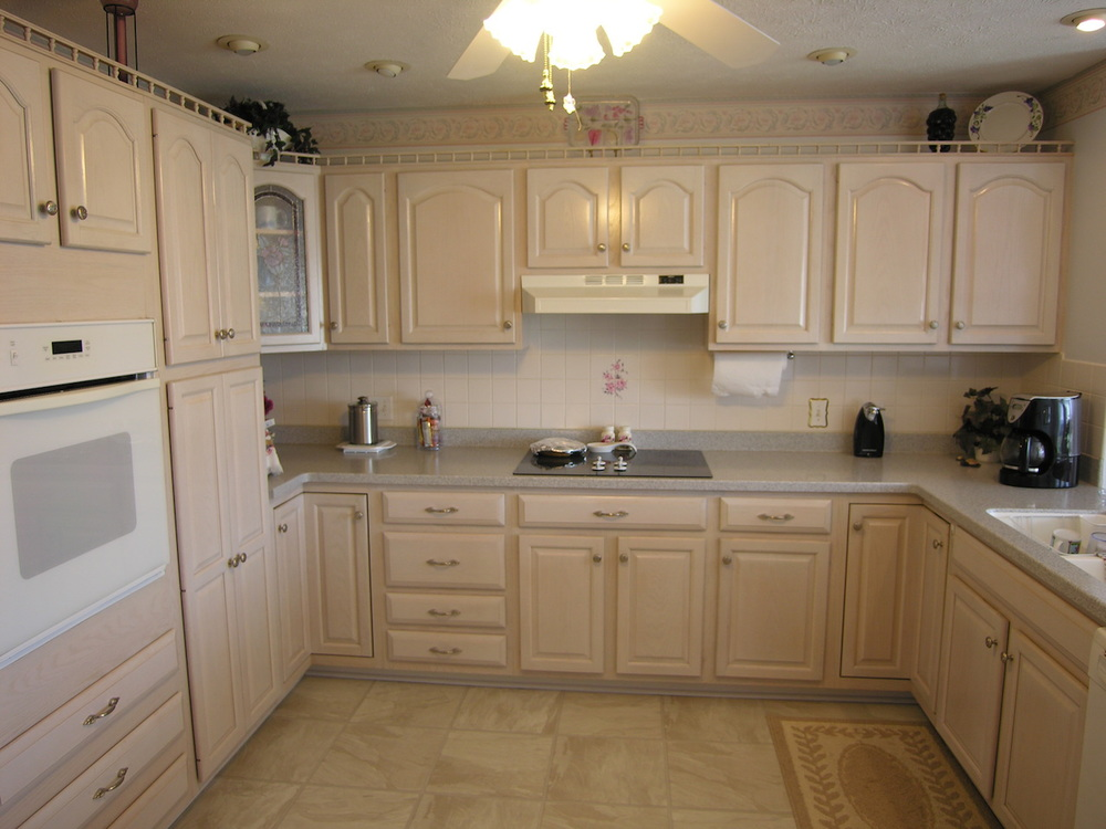 Kitchen 4.JPG