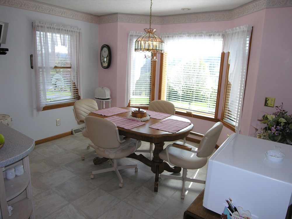 Kitchen 5-Dining Area.JPG
