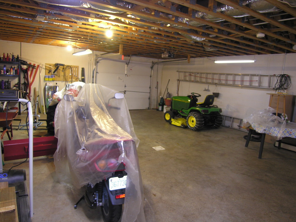 Basement 4-Includes a 1-car garage door entrance.JPG