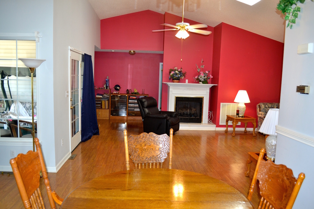 Dining Area to Living Room.JPG
