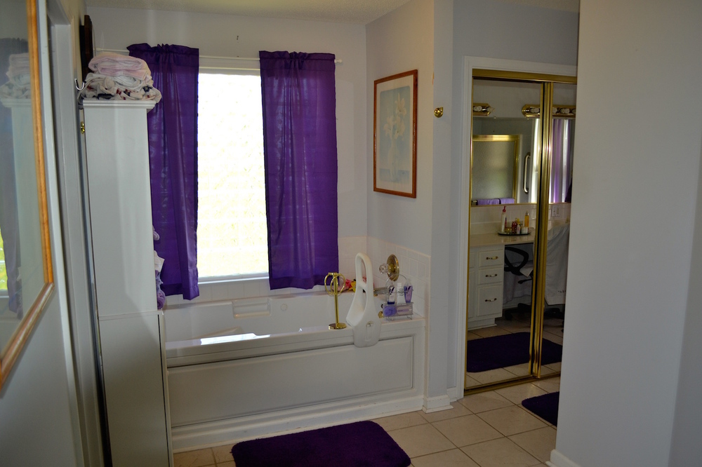 Suite 2-Bathroom (1).JPG