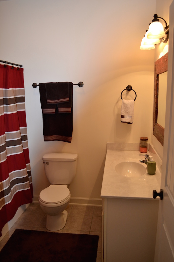 Hall Bath-2.jpg