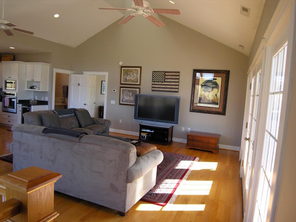 Living Room-8.jpg