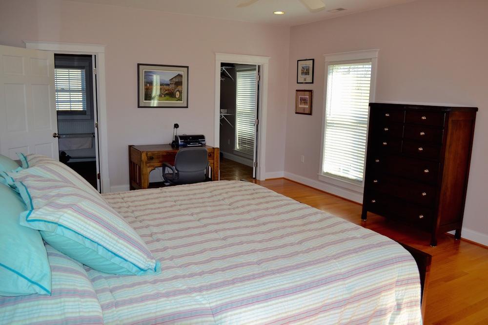 Master Bedroom-4.jpg