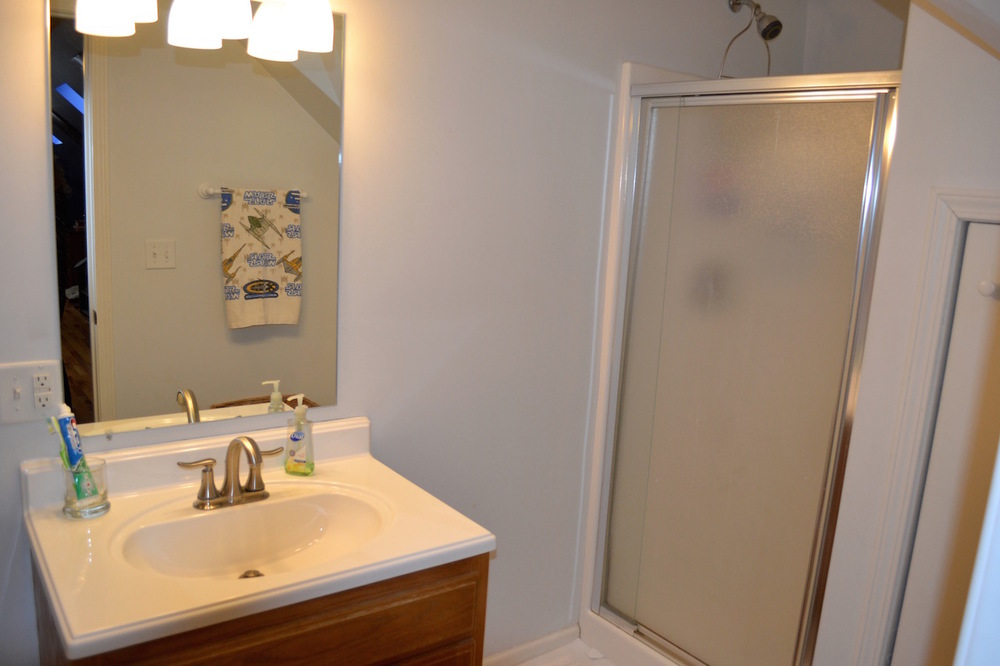 Bathroom 3-1.jpg