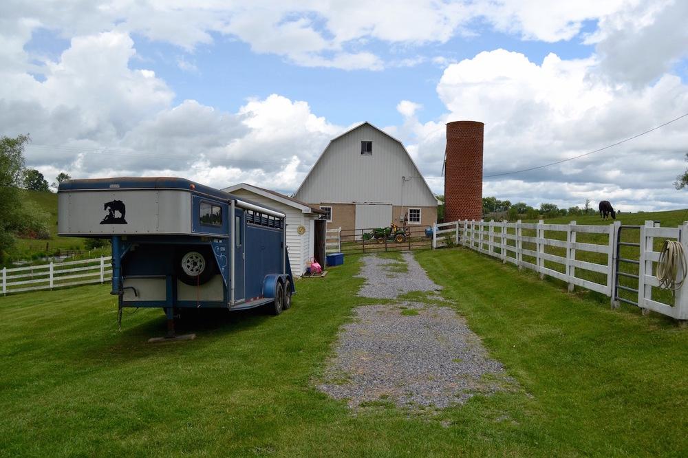 Driveway to barn.jpg
