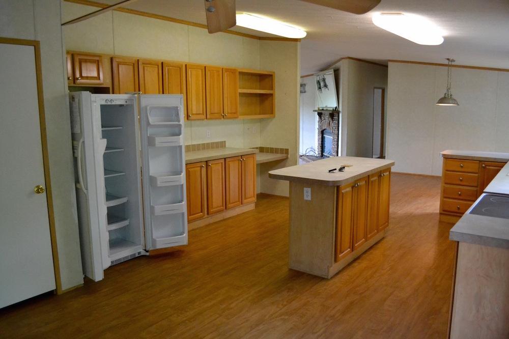 Kitchen-4 .jpg