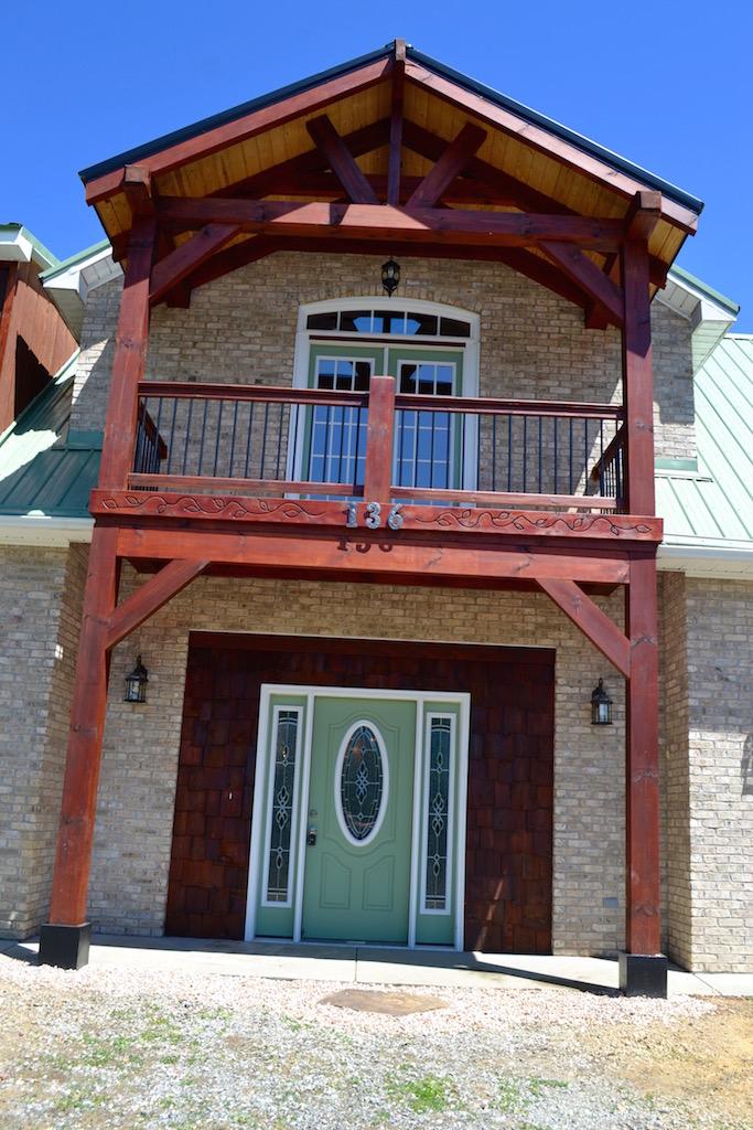 Exterior-Balcony.jpg