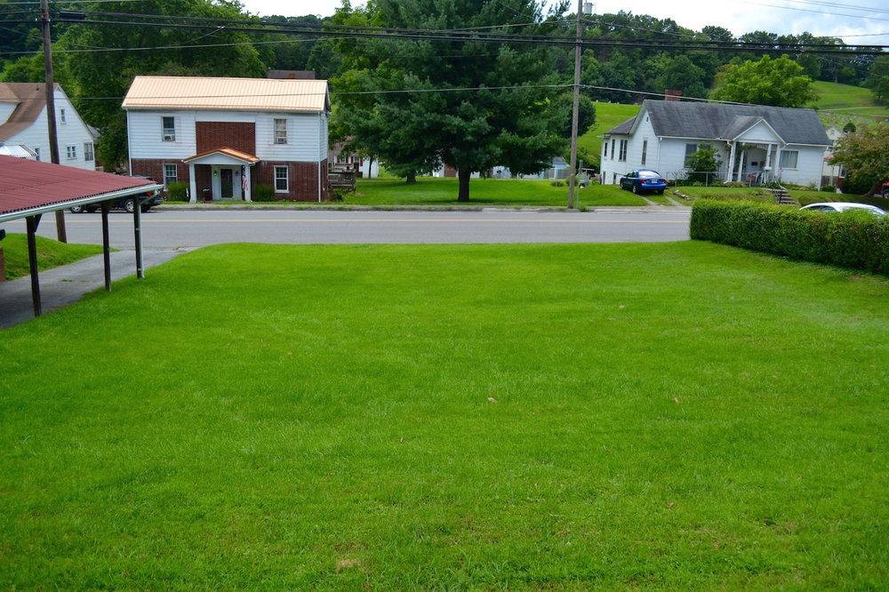 Exterior-Yard-2.jpg