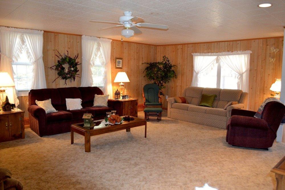 Family Room-2.jpg