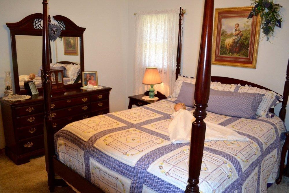 Bedroom 2-2.jpg