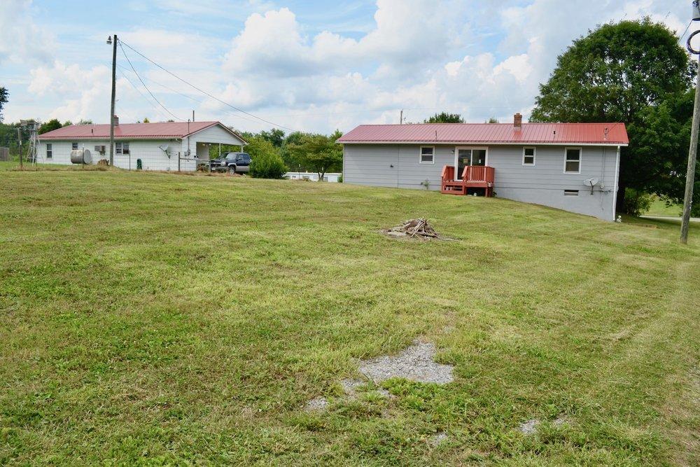 Exterior-Back Yard 4.jpg