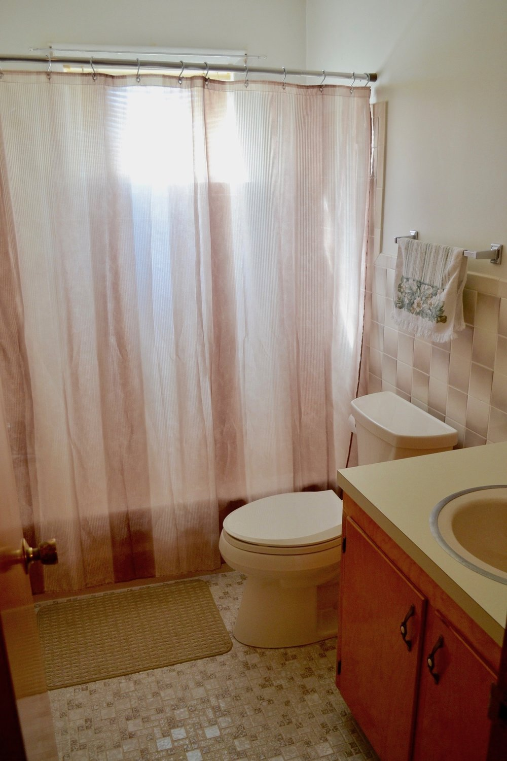 Bathroom 2-1.jpg