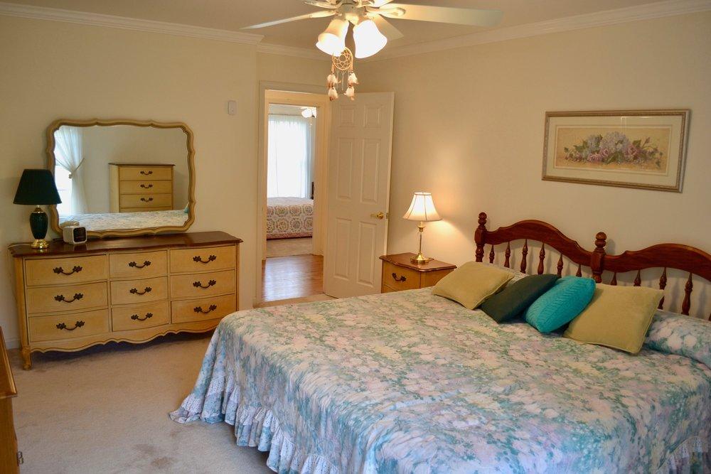 Master Bedroom-6.jpg