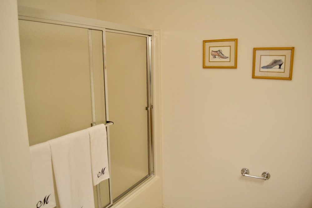 Bathroom 2-2.jpg