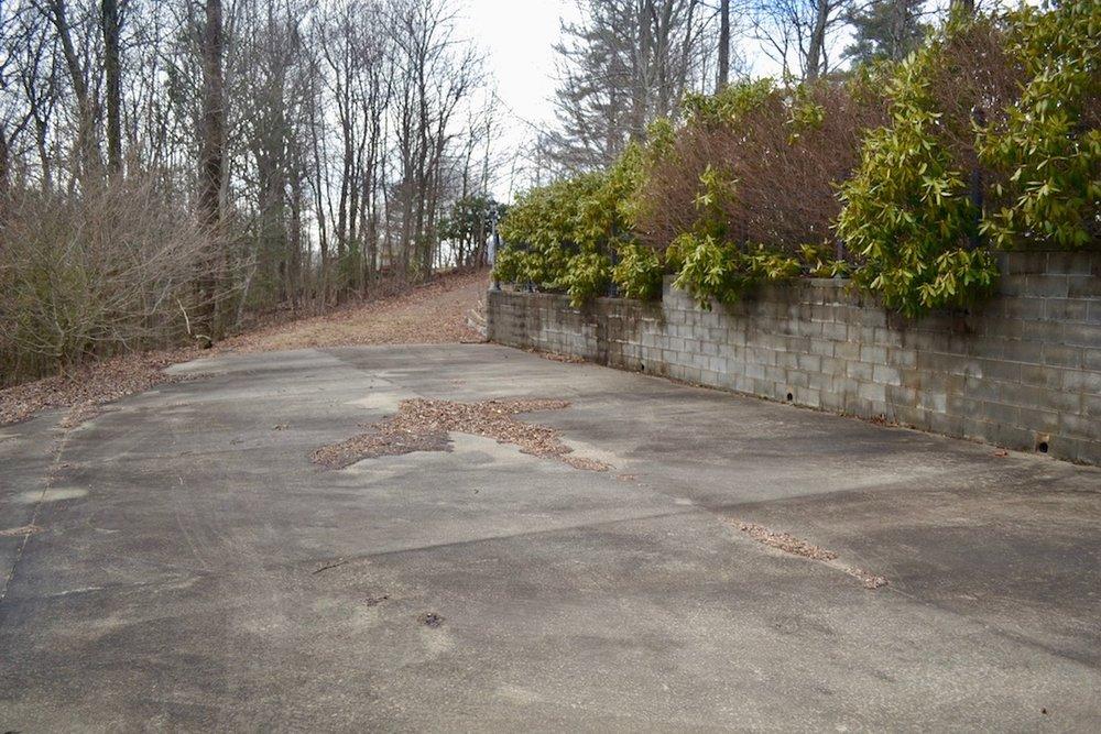 Exterior-Concrete Driveway-2.jpg