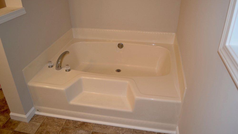 Master Bathroom-3.jpg