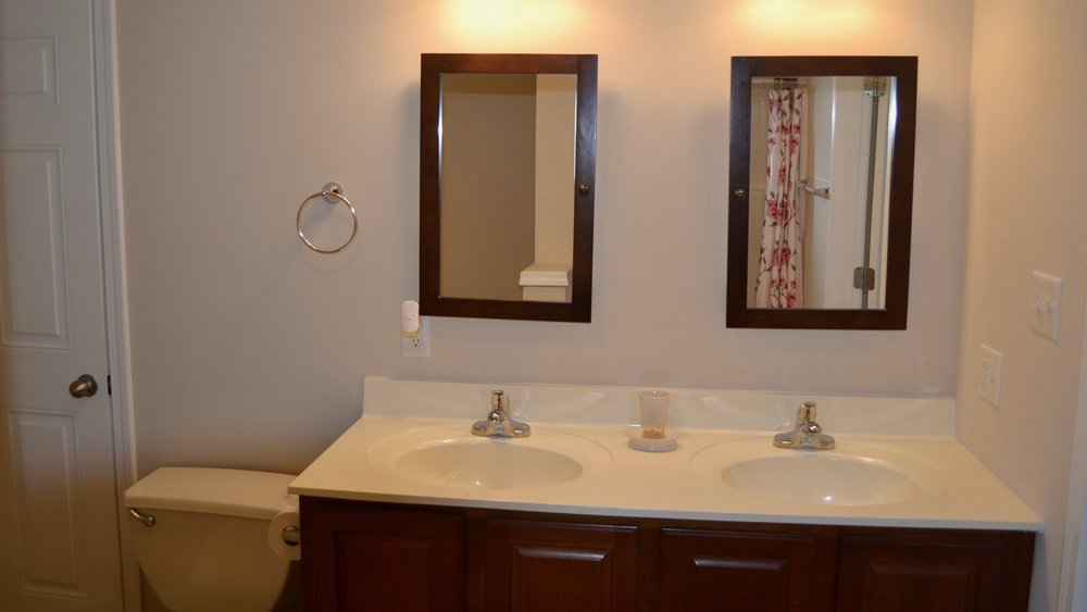 Master Bathroom-5.jpg