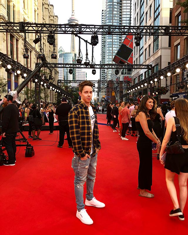 pumped to be at the #iheartradiommvas 😎