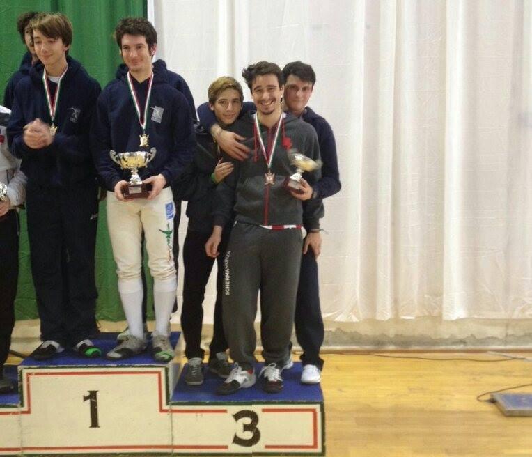 18 gennaio 2015:  la squadra di spada serie c2 composta da Luca Como, Niccolò Galbiati e Gianluca Schiavon conquista la medaglia di bronzo e viene promossa in serie C1