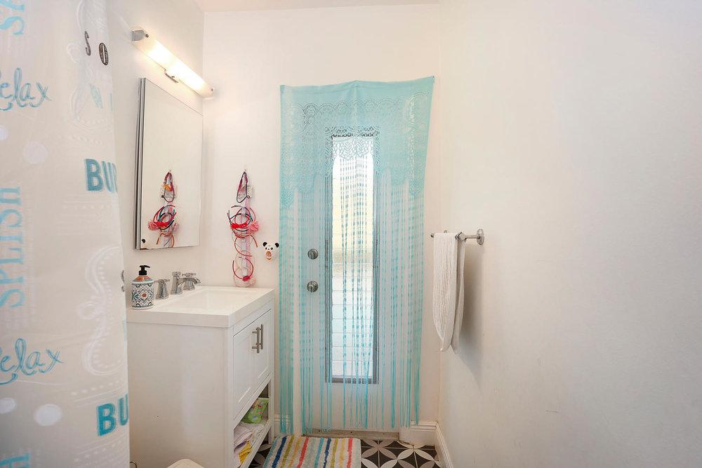 12900 SW 82nd Ct Miami FL-large-018-10-Bathroom-1500x1000-72dpi.jpg