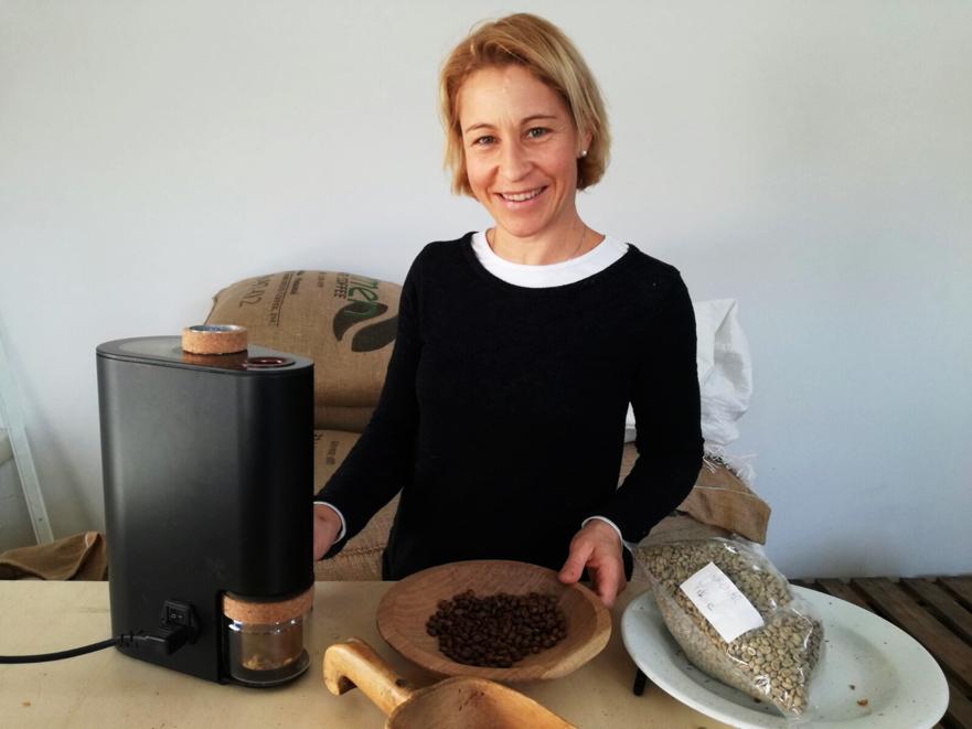 Uschi roasting coffee samples with the IKAWA Sample Roaster  Source: Uschi Zimmermann