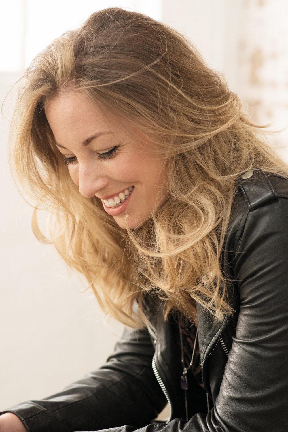 Lauren_Ray-Promo Pic2.jpg