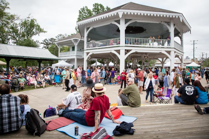 Live music and dancing near the 1884 Pavilion during the 2016 Busker Festival