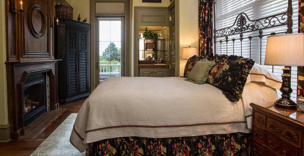 Colonial Guest Room_Cliff Notes_The Chanler.jpg