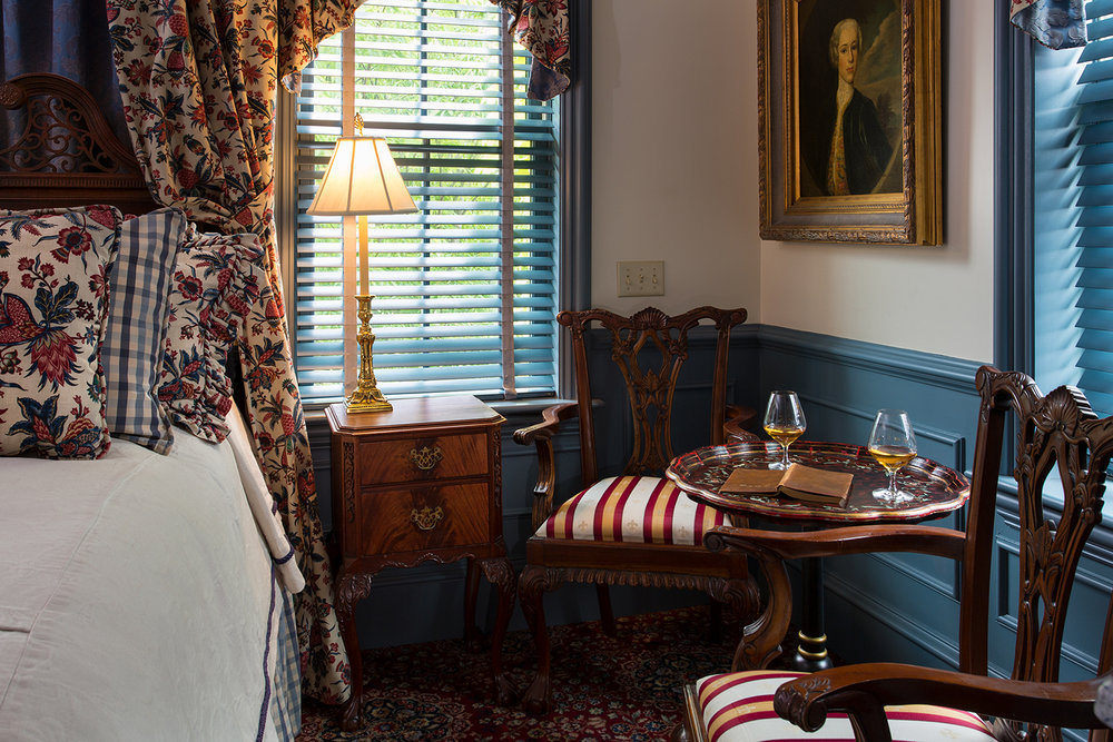 Williamsburg_Sitting-Area_Cliff-Notes_The-Chanler.jpg