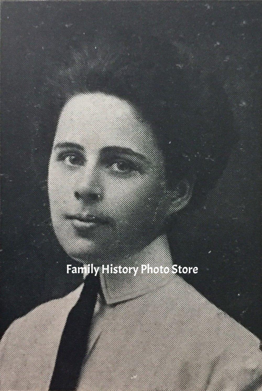 Dorothy Gould Erotic fotos Andrea Ferrell,Vivian Austin