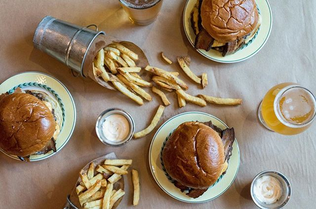 Ain't no party like a Burger Royale party 😉 #FlyingPigGram