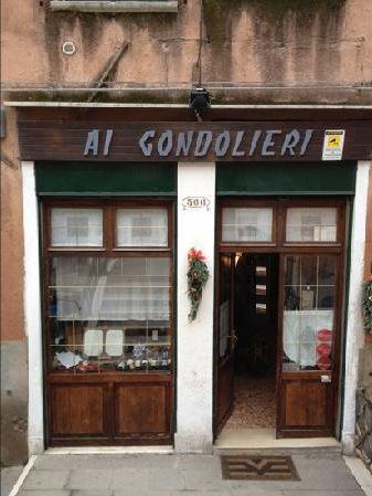 AI GONDOLIERI Ai Gondolieri is one of Venice's most renowned restaurants. The menu contains typical Venetian specialties and is best known for its delicious risotto. Is located very close to the Guggenheim Museum in Dorsoduro, so consider eating here on the day you decide to visit the museum.