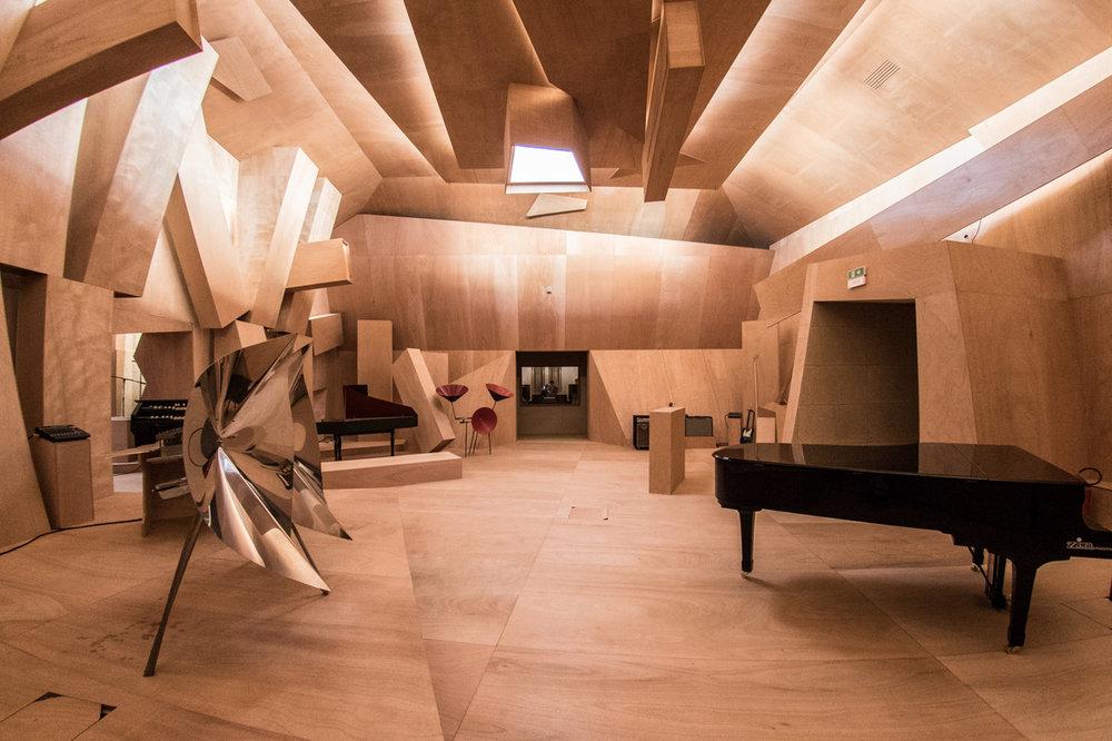 Studio_Venezia_Xavier_Veilhan_Photo_Giacomo_Cosua_LR3.jpeg
