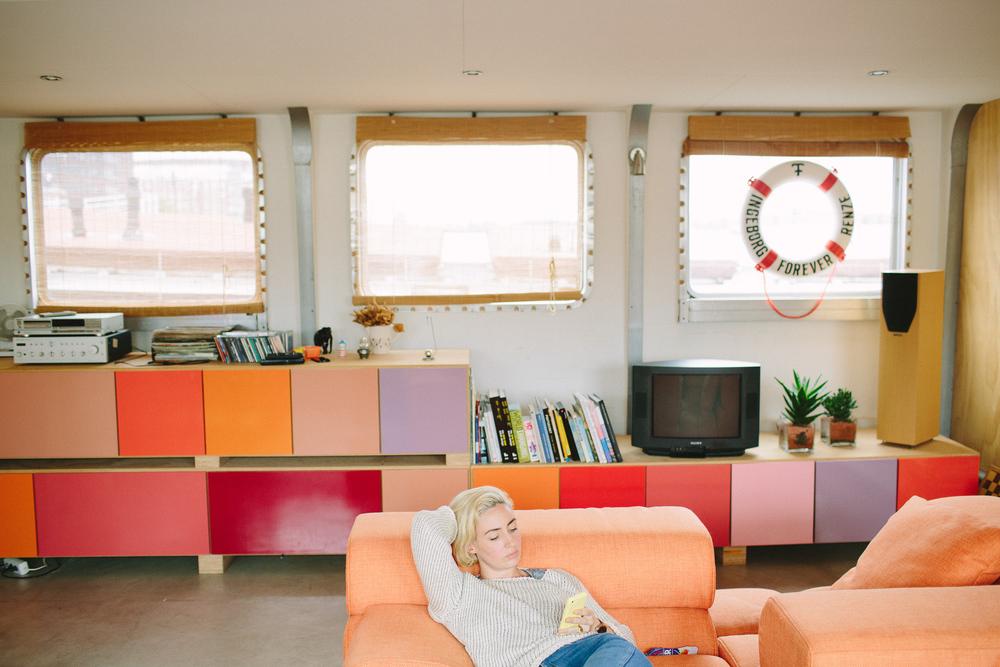 houseboat family travel