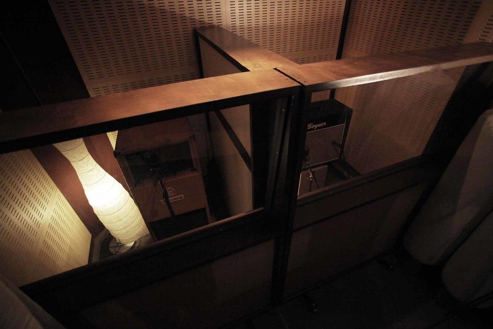booth1.jpg