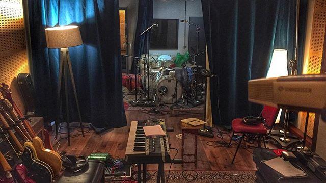 Afinando en 441 #renoestudios #mixing #recording #music  #studiolife #wunderaudio #audio