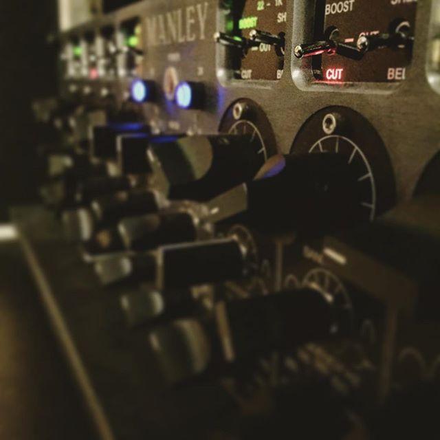 Mastering weekend!! 🔋#renoestudios #mixing #recording #music  #studiolife #wunderaudio #audio