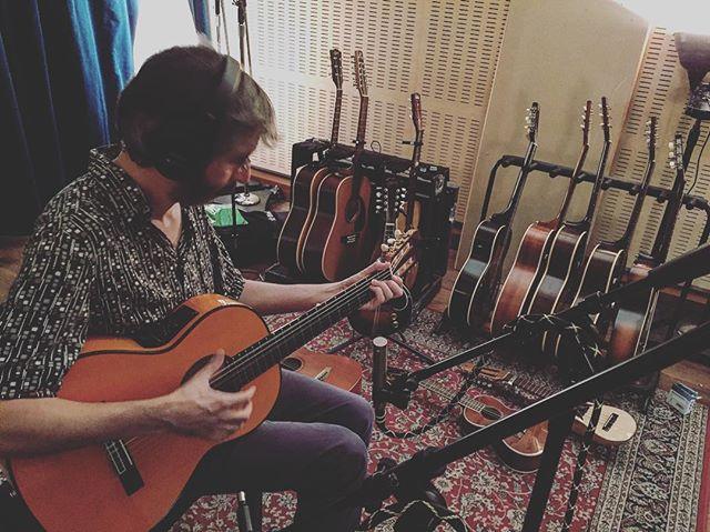 Más madera, más cuerda. Más canciones.#renoestudios #mixing #recording #music  #studiolife #wunderaudio #audio