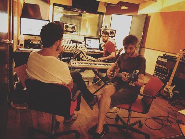 Día de bajos✔️#renoestudios #mixing #recording #music  #studiolife #wunderaudio #audio