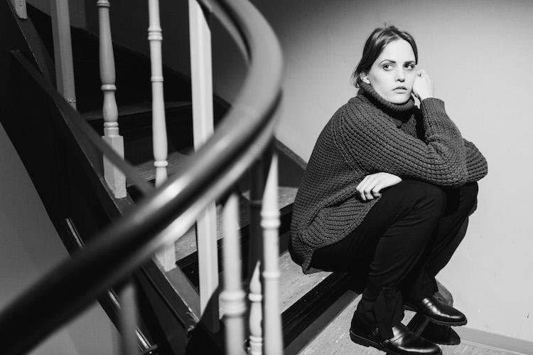 Grey_Stairway_hope_grand_Sweater_fridafridafrida_fashion_Blog_Nils_hasenau_1