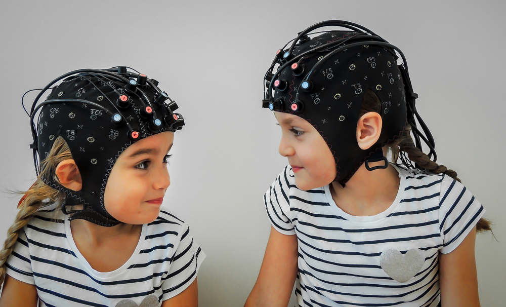 NIRScap - children - hyperscanning - Jon's Kids-4.jpg