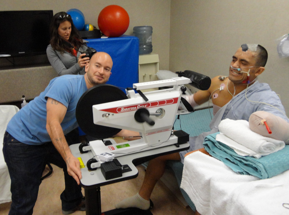 Eduardo and Jen's friend Baron visits ICU as Eduardo works out during his physical therapy and Jen keeps the camera rolling.