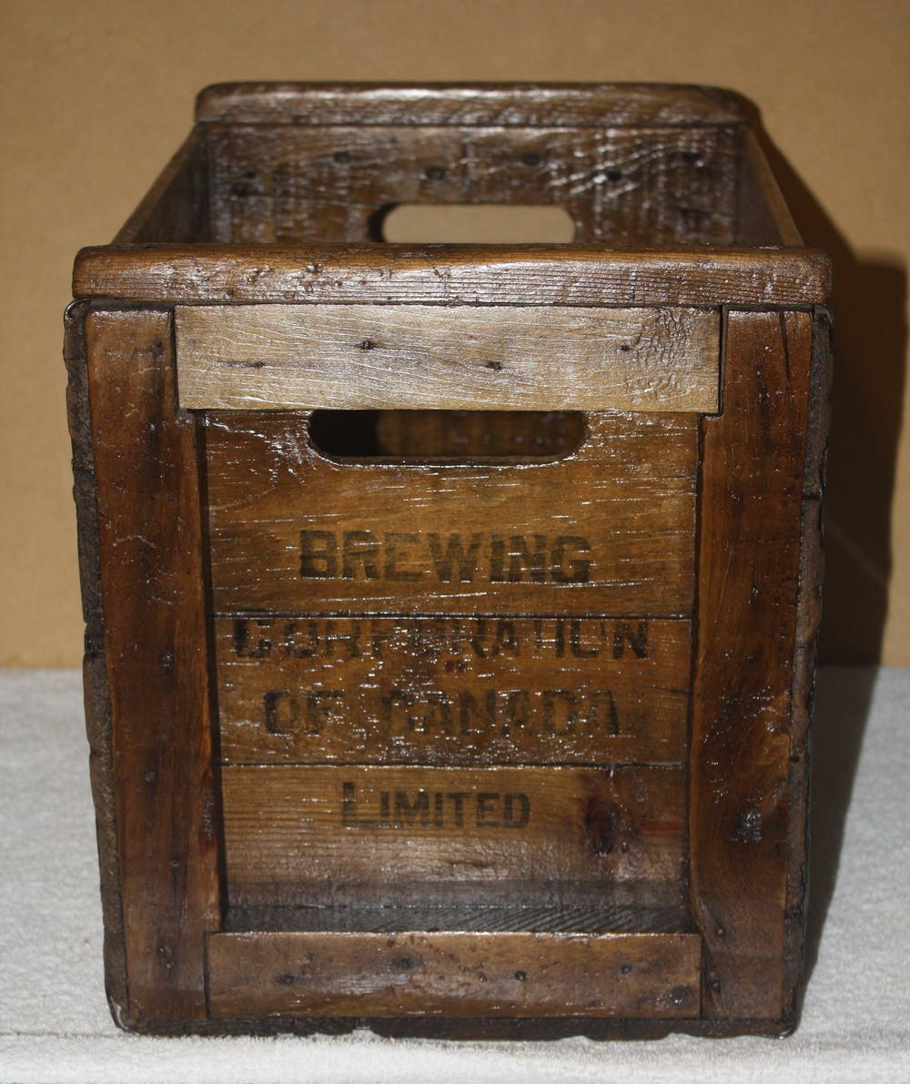Crate - Brewing Corporation of Canada Limited_side.JPG