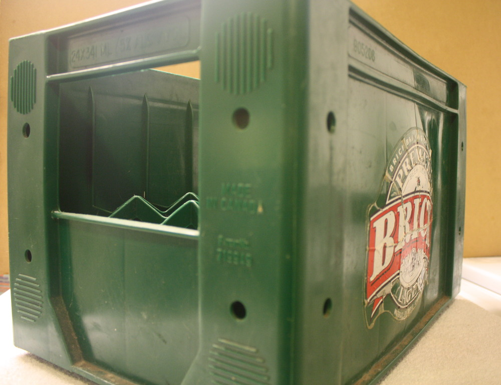 Crate - Brick Brewing Co_24case_plastic_side (ON).JPG