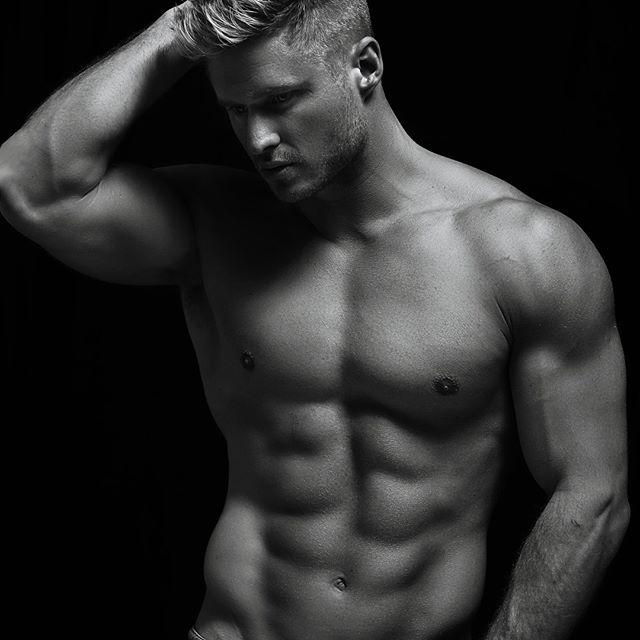 Mr. Skivington being him ... @zink_models @wayne_skiv04