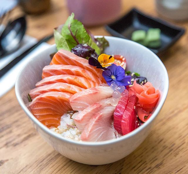 Something light and chilled for a hot day in Melbourne  Chirashi Don from Infinite Wasabi in Southbank  #chirashidon #infinitewasabi #southbank #Japanese #sushi #sashimi #don #melbournefood #melbourneeats #ubereats #nowlookhear