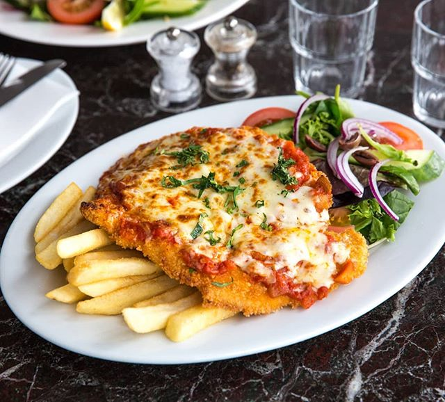 Delicious Chicken Parma from Paloma Pizza in Wantirna  #palomapizza #chickenparma #parma #parmi #chickenparmagiana  #chicken #wantirna #boxingday #ubereats #melbournefood #melbourneeats #nowlookhear