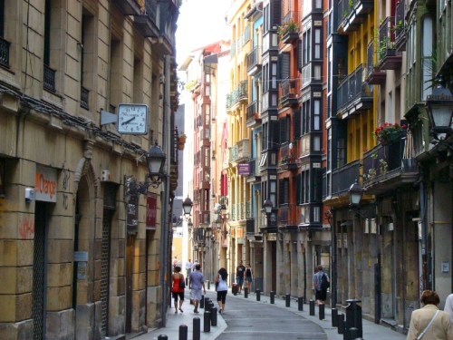 Bilbao, the Old Quarter. By: Mikemod (CC BY-SA 3.0 ES)