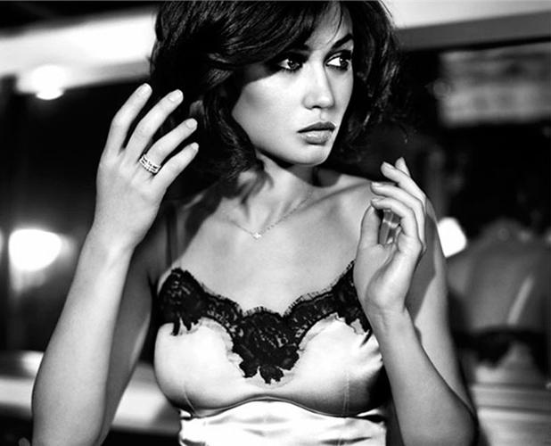 Olga_Kurylenko_Vogue-Spain_Vincent-Peters_Barbara-Baumel_08.jpg